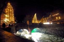 Le pont fortifié et la Weiss à Kaysersberg © French Moments