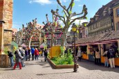 Le marché de Pâques à Colmar (Place des Dominicains) © French Moments