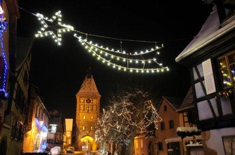 Bergheim illuminée à Noël © Office de Tourisme Pays de Ribeauvillé-Riquewihr