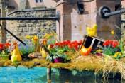 Fontaine Renaissance de la Place du château à Eguisheim © French Moments