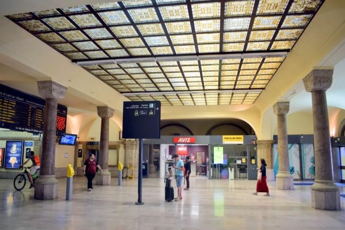 Hall des Arrivées, gare de Metz © French Moments