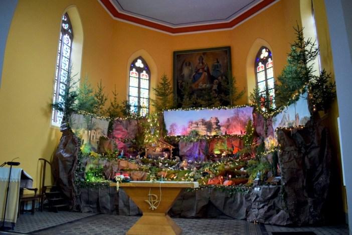 Crèche de Noël de l'église de Reinhardsmunster © French Moments