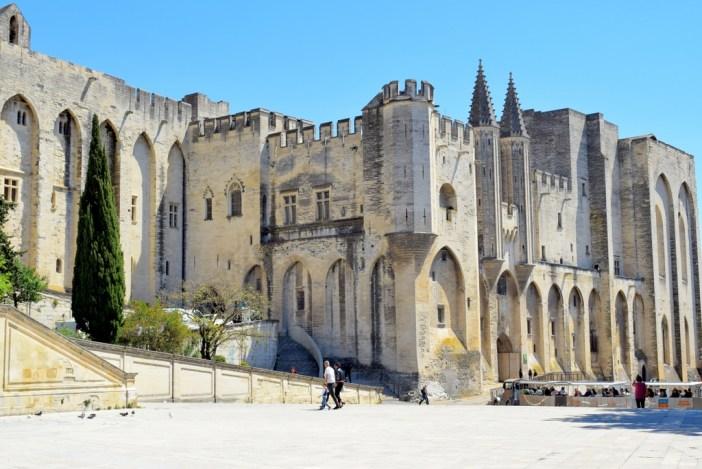 Le Palais des Papes en Avignon © French Moments