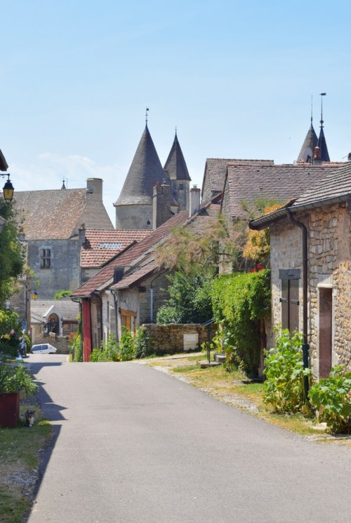 Châteauneuf-en-Auxois © French Moments