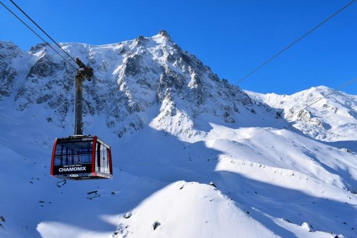 Le téléphérique de l'Aiguille du Midi au Plan de l'Aiguille © French Moments