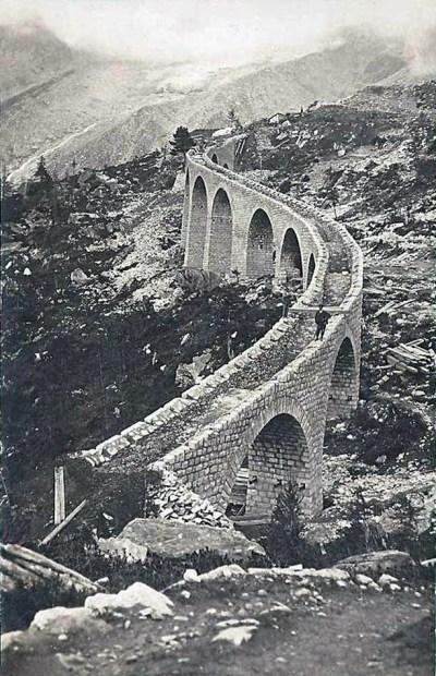 Construction du viaduc du Montenvers en 1908