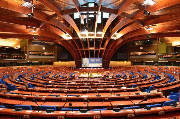 L'hémicycle du Palais de l'Europe © Adrian Grycuk - licence [CC BY-SA 3.0 pl] from Wikimedia Commons