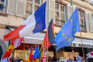Drapeaux à Strasbourg © French Moments