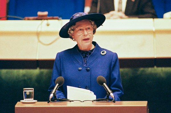 Le speech de la Reine Elizabeth II au Parlement européen de Strasbourg en 1992