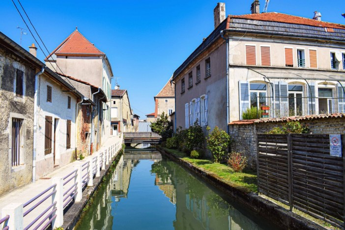 Petit canal à Vaucouleurs © French Moments