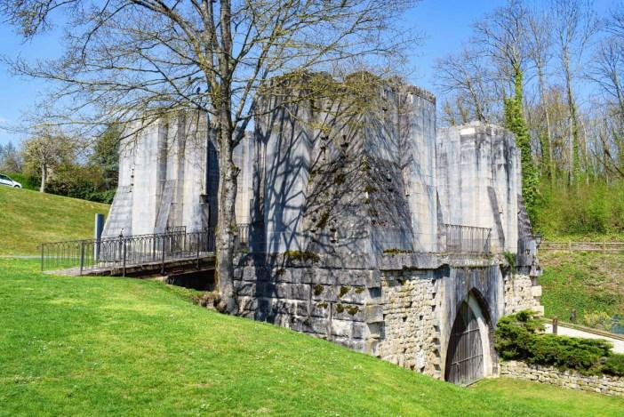 Le site castral de Vaucouleurs © French Moments