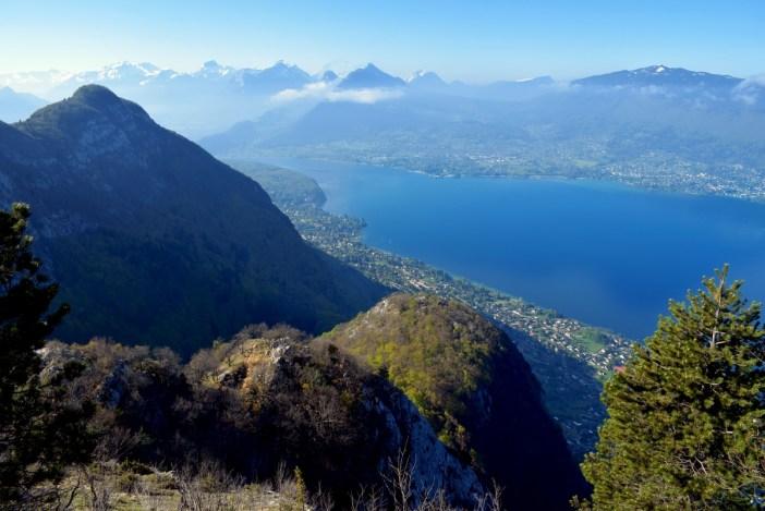 Autour du lac d'Annecy - vue du mont Baron © French Moments