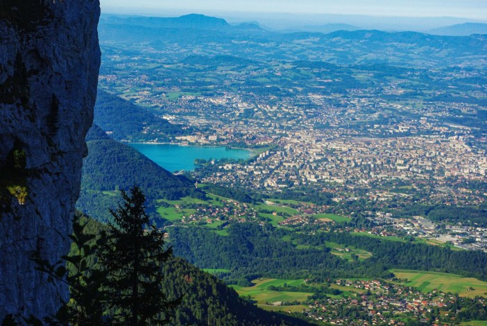 Vue sur Annecy depuis le Grand Montoir © French Moments