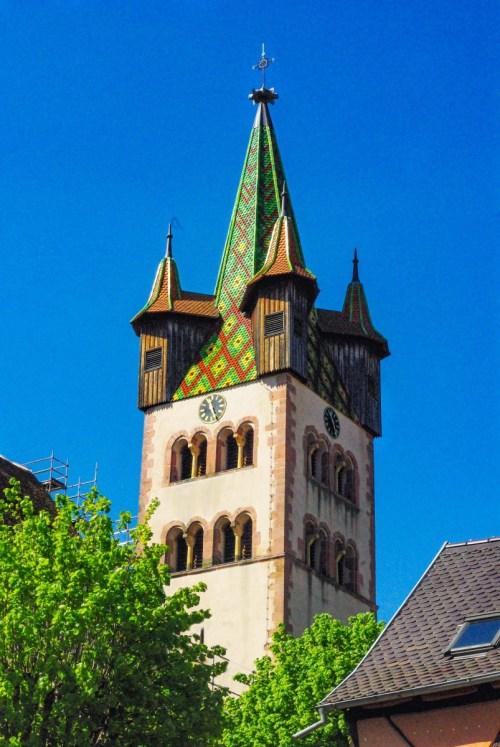 Autour de Strasbourg - le clocher de l'église de Châtenois © French Moments