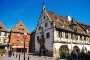 Autour de Strasbourg - La Halle aux blés, Obernai © French Moments
