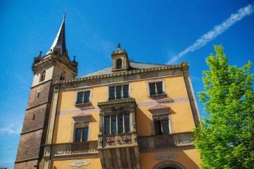 Autour de Strasbourg - L'Hôtel de Ville d'Obernai et le beffroi © French Moments