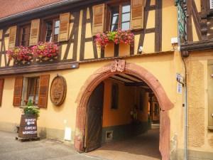 Autour de Strasbourg - Cave viticole à Rosheim © French Moments