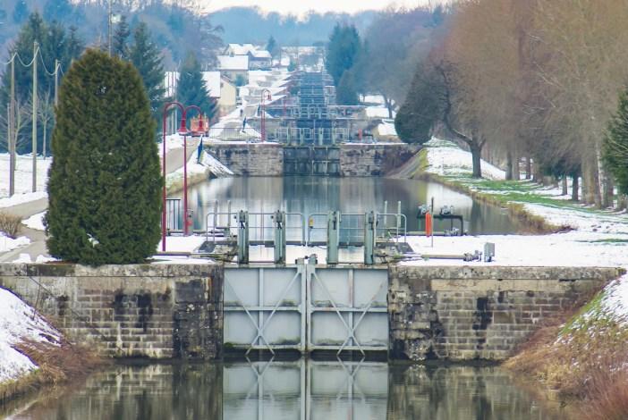 Les écluses du canal du Rhône au Rhin entre Retzwiller et Valdieu © French Moments