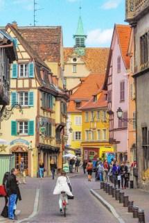Dans les rues du Vieux-Colmar © French Moments