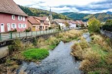Le village de Dolleren, traversé par une des plus belles pistes cyclables d'Alsace © Espirat - licence [CC BY-SA 4.0] from Wikimedia Commons