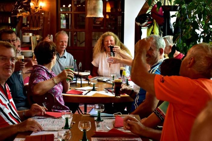 Moments de convivialité à Obernai lors d'une Cyclodécouvertes® © Louis Holder