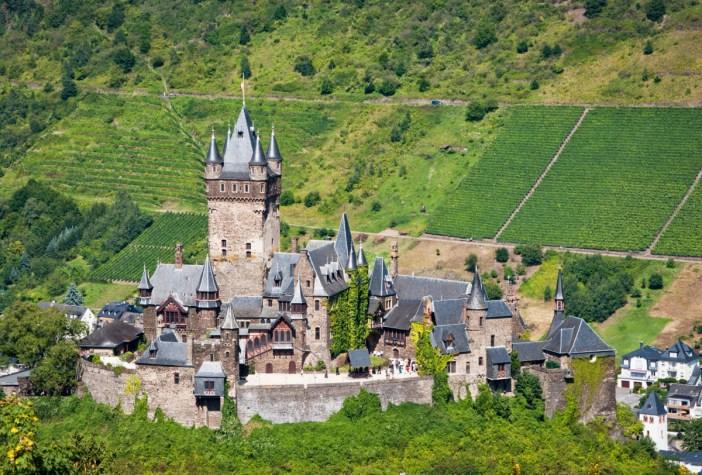 Cochem Reichsburg © Steffen Schmitz- licence [CC BY-SA 3.0 DE] from Wikimedia Commons