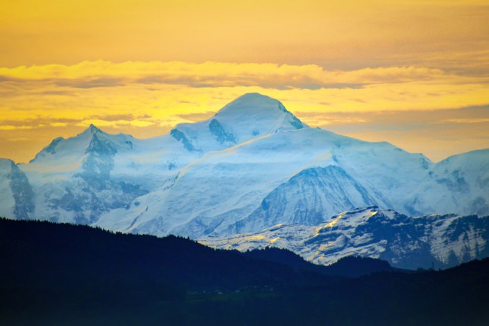 Mont-Blanc vu de l'autoroute suisse A1 © French Moments