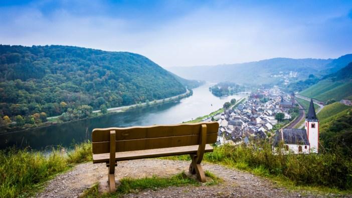 La vallée de la Moselle à Hatzenport © EwaStudio [Envato Elements]