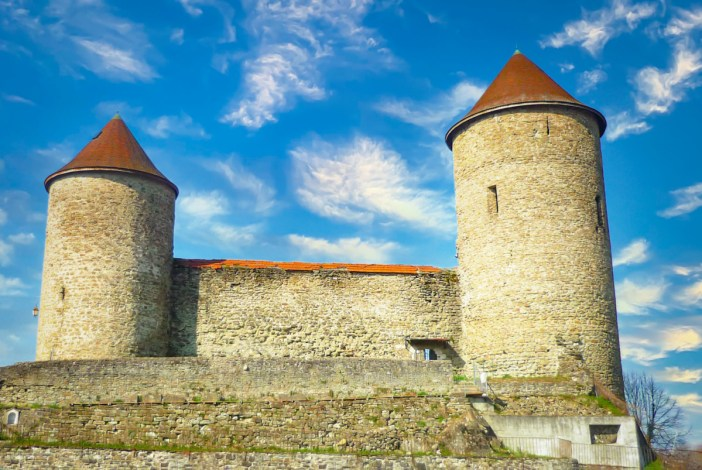 Châteaux de Savoie : Bonneville © French Moments