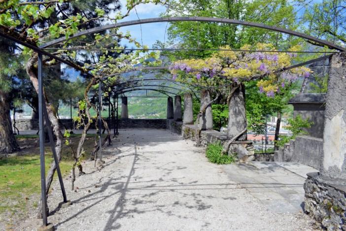 Le jardin sur le site de l'ancien château de Conflans © French Moments