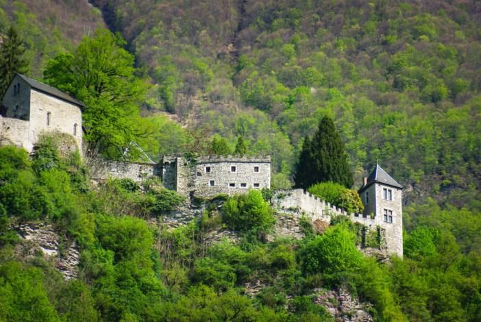 Châteaux de Savoie : Miolans © French Moments