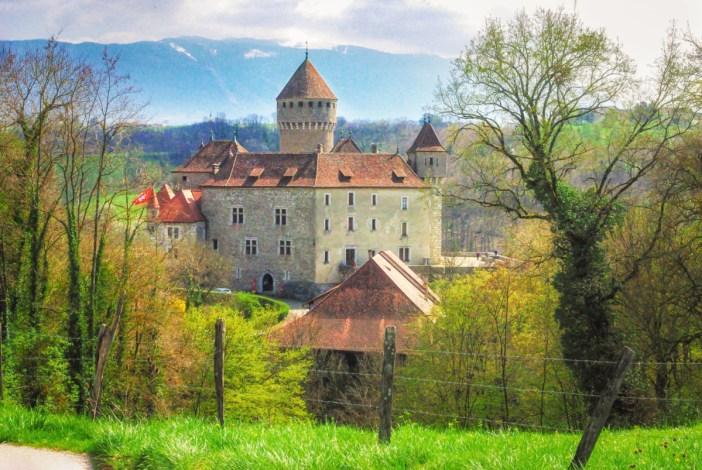 Châteaux de Savoie : Montrottier © French Moments