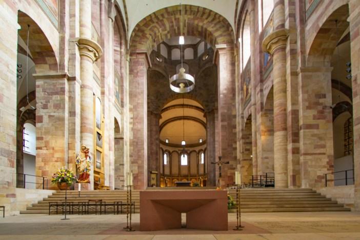 Le chœur de la cathédrale de Spire © Gerd Eichmann - licence [CC BY-SA 4.0] from Wikimedia Commons