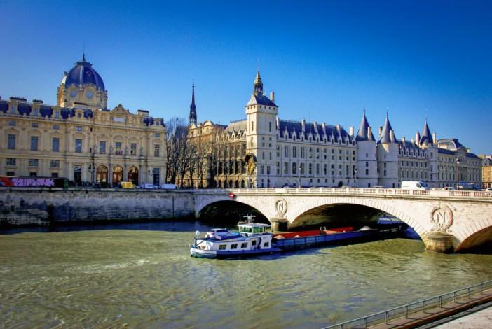 La Conciergerie, Paris © French Moments