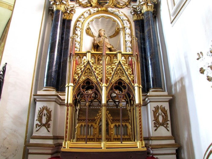 Châsse reliquaire de Sainte-Richarde © Ralph Hammann - licence [CC BY-SA 4.0] from Wikimedia Commons
