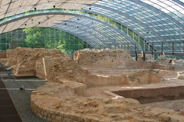 Autour de Mulhouse - Les vestiges des bains romains à Badenweiler © Wernain S. - licence [CC BY-SA 3.0] from Wikimedia Commons