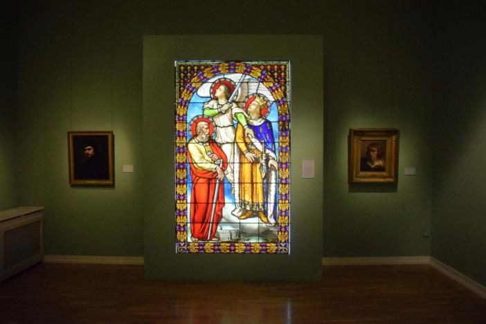 Vitrail de Maréchal au musée de la Cour d'Or © French Moments