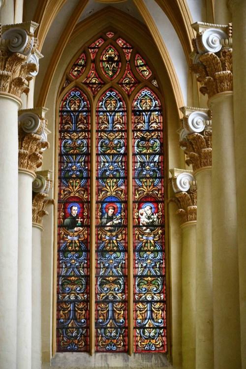 Vitrail de l'église Saint-Clément © French Moments