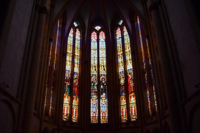 Vitraux du chœur de l'église Sainte-Ségolène © French Moments