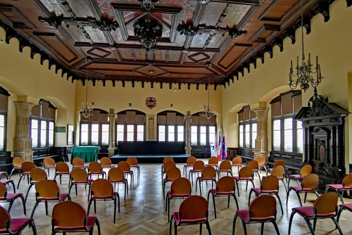 Salle Renaissance du Palais de la Régence © PaulT (Gunther Tschuch) - licence [CC BY-SA 4.0] from Wikimedia Commons