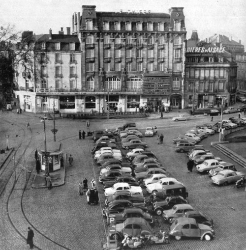 La place Thiers en 1960 © Pieckoyt - licence [CC BY-SA 4.0] from Wikimedia Commons