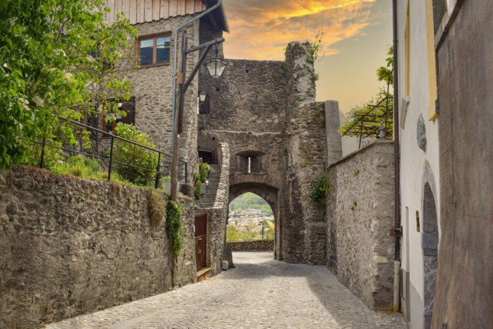 Porte Tarine, Conflans © French Moments