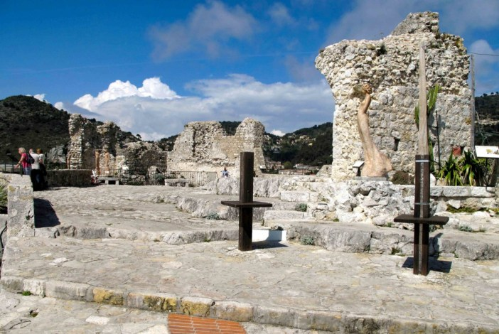 Les ruines du château. Photo: Tangopaso (Public Domain)