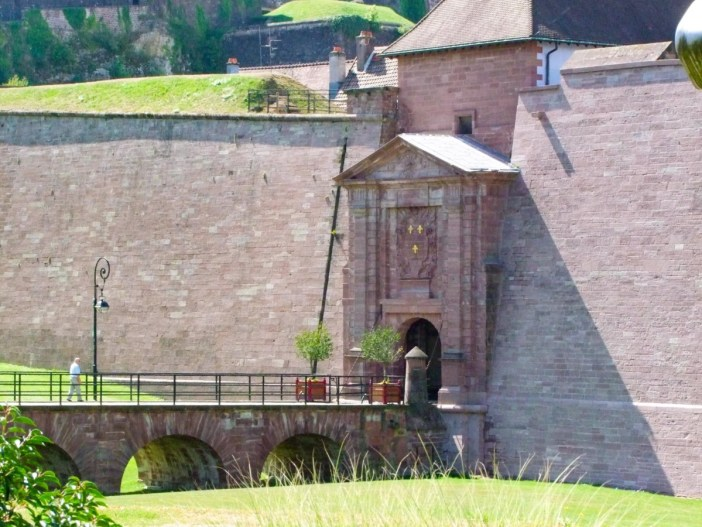 Portes fortifiées d'Alsace - Belfort - Porte de Brisach © Andrzej Harassek - licence [CC BY-SA 3.0] from Wikimedia Commons