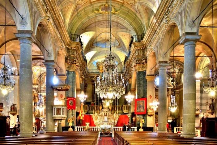 Intérieur de la basilique Saint-Michel © Espirat - licence [CC BY-SA 4.0] de Wikimedia Commons