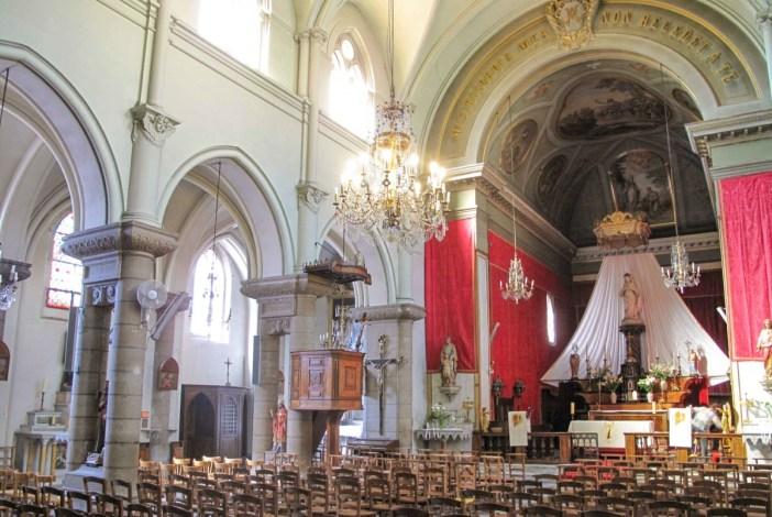 Intérieur de la Chapelle des Pénitents Noirs. Photo : Tangopaso (Public Domain)
