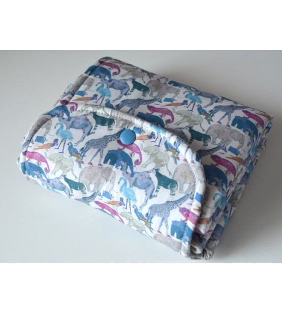 tapis a langer cadeau naissance pratique cadeau bebe original