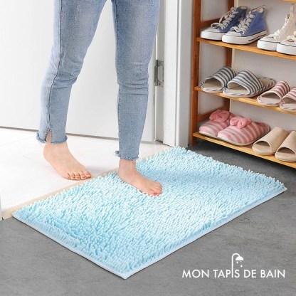 tapis de bain chenille bleu ciel