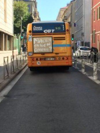 A Nizza pioggia di scritte su bus e tram contro la legge del lavoro