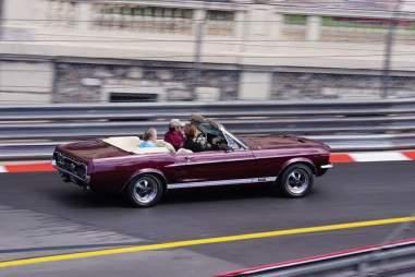 La Ford Mustang Cabrio del 1967 utilizzata come VIP car nel circuito del GP di Formula 1.